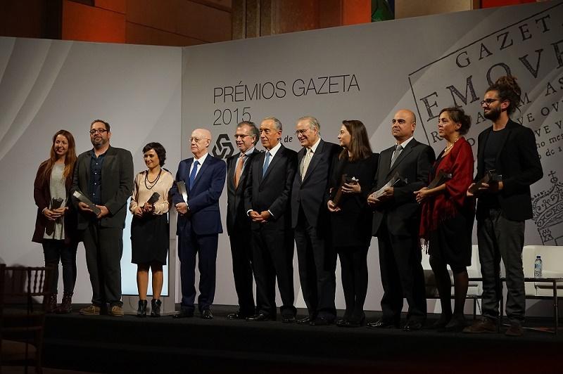 Os premiados com o Presidente da República e os presidentes da CGD e do Clube de Jornalistas